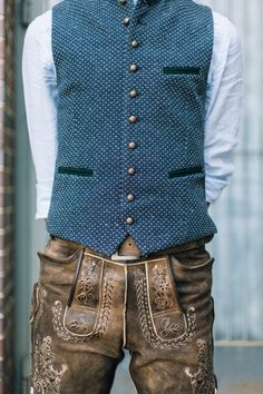 Authentic Lederhosen and Dirndl Dresses - Lederhosen Store Lederhosen Outfit, Dirndl Dress, Social Trends, Herren Outfit, Groom Outfit, Gentleman Style, Traditional Dresses, Mens Fashion, My Style