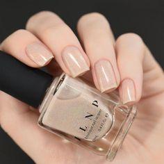 Semi-permanent varnish, false nails, patches: which manicure to choose? - My Nails Gel Nails At Home, My Nails, Nice Nails, Fabulous Nails, Simple Nails, Swag Nails, Pretty Nails, Nail Polish Designs, Acrylic Nail Designs