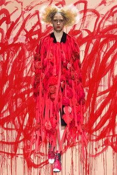 Dazed  / Catwalk   -   Red   -  gif    -  Paul Wagenblast    -    http://www.dazeddigital.com/fashion/article/22046/1/paris-ss15-gifs