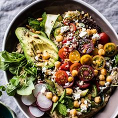 Quinoa Recipes - Loaded Greek Quinoa Salad - Easy Salads, Side Dishes and Healthy Recipe Ideas Made With Quinoa - Vegetable and Grain To Serve For Lunch, Dinner and Snack Greek Quinoa Salad, Quinoa Salat, Quinoa Salad Recipes, Healthy Recipes, Whole Food Recipes, Vegetarian Recipes, Cooking Recipes, Easy Recipes, Vegan Meals