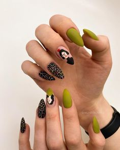Soft Nails, Edgy Nails, Chic Nails, Funky Nails, Trendy Nails, Gel Nails, Grunge Nails, Nail Design Stiletto, Nail Design Glitter