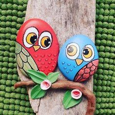 24 Popular Items for Hand Painted Stones Rock Painting Patterns, Rock Painting Ideas Easy, Rock Painting Designs, Pebble Painting, Pebble Art, Stone Painting, Stone Crafts, Rock Crafts, Arts And Crafts