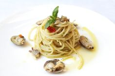 Gli Spaghetti con le Vongole, un classico intramontabile. Bon Appétit!
