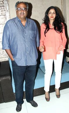 Sridevi with Boney Kapoor at the music launch of 'Bol Baby Bol'. Bollywood Outfits, Bollywood Fashion, Aruna Irani, Movies 2017 Download, Latest Pics, Beauty Queens, Simple Outfits, Evergreen