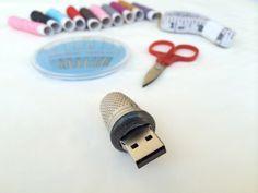 Τα πιο πρωτότυπα χειροποίητα USB sticks είναι ελληνικά Usb Flash Drive, Ideas, Thoughts, Usb Drive