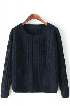 Two pocket round neck long sleeved pullover sweater