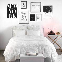 New York B&W Gallery Wall – Dormify. Modern monochrome bedroom #artwall #modernart #gallerywall #monochromebedroom Scandi Bedroom, Monochrome Bedroom, Room Ideas Bedroom, White Bedroom Decor, Pretty Bedroom, Gallery Wall Bedroom, Bedroom Wall, New York Bedroom, Interior Design Colleges
