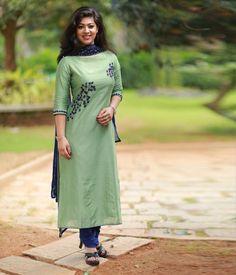 Mint Green Chanderi Suit with Heavy Handworked Dupatta - Products Salwar Neck Designs, Kurta Neck Design, Kurta Designs Women, Dress Neck Designs, Blouse Designs, Chanderi Suits, Salwar Suits, Patiala Salwar, Punjabi Suits