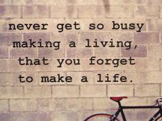 Te druk  Je hebt het druk. Te druk. Niet leuk meer druk… Je verlangt naar een saai, gezapig en vooral rustig leven, maar je hebt gee...