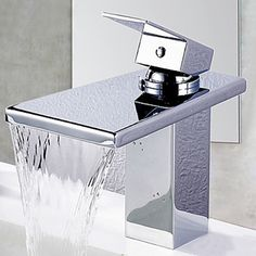 American Standard 0282800020 Retrospect Pedestal Bathroom Sink with Faucet Spacing White * Be sure to check out this awesome product. (This is an affiliate link) Contemporary Bathroom Sink Faucets, Best Bathroom Faucets, Brass Bathroom, Contemporary Classic, Modern Traditional, Cheap Bathrooms, Amazing Bathrooms, Basin Taps, Pedestal Sink