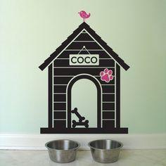 ¡Vinilos decorativos con Mascotas!  me encanto este detalle....asi el lugar de su comida se transforma!  lo quiero para mi Coco!!