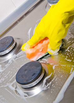 Cleaning Appliances with Baking Soda and Vinegar