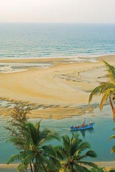 Shiroda Beach in Shiroda, Maharashtra, India. Staggeringly tranquil by Ilya Khuroshvili