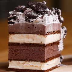 Ice Cream Sandwich Cake Recipe by TastyYou can find ice cream sandwich cake and more on our website.Ice Cream Sandwich Cake Recipe by Tasty Ice Cream Desserts, Frozen Desserts, Ice Cream Recipes, Easy Desserts, Delicious Desserts, Dessert Recipes, Yummy Food, Ice Cream Cakes, Recipe For Ice Cream Cake