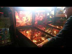 Gameroom Etten. Altijd al eens willen weten hoe die gameroom eruit ziet? Roy Wils maakte een kort video-verslag. Voor meer info check www.gameroom-etten.nl Pinball, Game Room, Arcade, Happy, Fun, Game Rooms, Ser Feliz, Hilarious, Being Happy