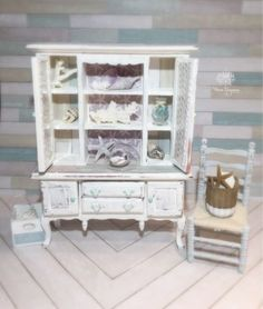 Dollhouse-Miniature-Artisan-Cabinet-1-12-Coastal-Cottage-Beach-Shells-Coral