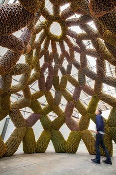 #Sculpture #Installation #art - Não Tenha Medo do Seu Corpo by Ernesto Neto