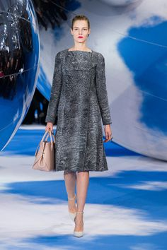 2.Christian Dior Fall 2013 Modern pelisse( coat-like dress) mimics the design concept from the Pelisse( from the Empire period).The texture of fabric, warmth feel it gives, the slightly A-lined silhouette. The long sleeve to the wrist.