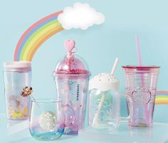 Starbucks' cute animal merchandise have always been wildly popular in Asia and especially among Singaporeans. Recently, Starbucks China has launched its su Copo Starbucks, Bebidas Do Starbucks, Starbucks Drinks, Cute School Supplies, Cute Cups, Bottle Carrier, Summer Design, Alpacas, Summer Fruit