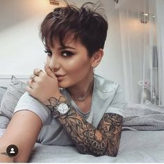42 Trendy Short Pixie Haircut For Stylish Woman – Page 16 of 42 – Fashionsum Blo… – Hair Styles Pixie Haircut For Round Faces, Short Hairstyles For Thick Hair, Round Face Haircuts, Short Pixie Haircuts, Short Hair Cuts For Women, Curly Hair Styles, Pixie Styles, Pixie Haircut Thin Hair, Pixie Haircut Styles