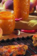 Recipe: Sauce BBQ aux pêches piquante - Bernardin