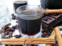 """Del libro """"Cocina Gallega"""" de Álvaro Cunqueiro, os traigo esta receta de licor de café. Siempre que lo he preparado en casa ha sido de esta ..."""