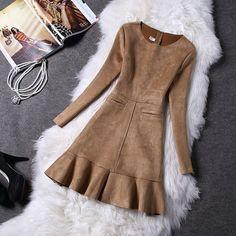 Aliexpress.com: Compre Europeu das mulheres outono inverno camurça de veludo de manga comprida feminina Trumpet sereia vestido com zipper para festa de confiança vestidos de diárias fornecedores em all is OK:
