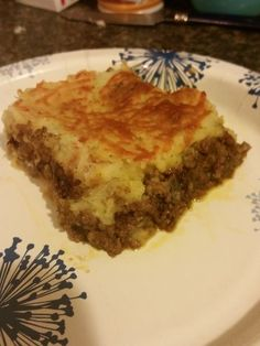 I saw this on Kitchen Nightmares and had to find the recipe. I have added corn to this before just because it has been in our other recipes. All in all it is very good and is something that has been a hit in our family. Shepherd's Pie Gordon Ramsay, Gordon Ramsey, Saint Patrick, Beef Recipes, Cooking Recipes, Beef Meals, Copycat Recipes, Ground Lamb, Ground Beef