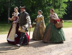 Renaissance dresses - this pinners board has many great 'costumes as examples of dress'