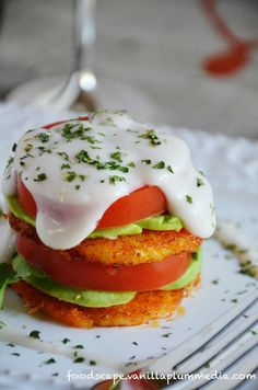 Craving Eggs Benedict? Vegan? Always mess up the hollandaise sauce? Try this recipe instead! #cleaneating #vegan