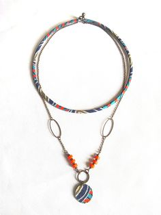 Collier tissu motifs graphiques - inspiration ethnique - bijou de créateur de la boutique lesfilsdestemps sur Etsy