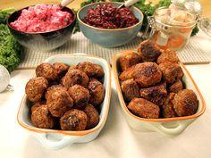 Koreanska köttbullar kryddade med soja och fisksås. Ett kul alternativ till de klassiska köttbullarna.