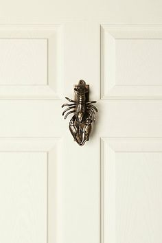 Lobster Door Knocker- Anthropology ANNNNDDD I know where i'm doing my apartment shopping.