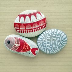 Painted stones, acrylic ink...by ZEUSTONES