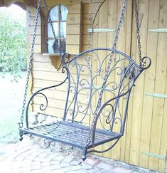 Metal floating bench in black, ideal for decorating the garden entrance … - Do Garden Wrought Iron Garden Furniture, Metal Patio Furniture, Wrought Iron Decor, Iron Furniture, Garden Gates And Fencing, Garden Entrance, Wall Decor Design, Wicker Chairs, Wall Decor Pictures