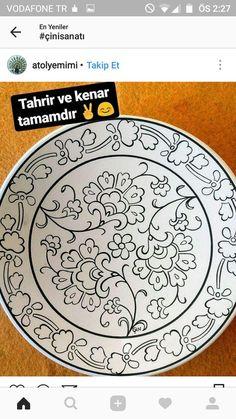 Using Ceramic Plates as Wall Decorations Hand Painted Pottery, Blue Pottery, Pottery Painting, Ceramic Painting, Marble Art, Tile Art, Expensive Art, Islamic Patterns, Turkish Art