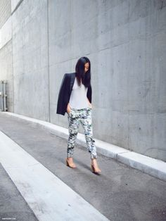 andyheart: feel like I should buy some floral pants for fall!