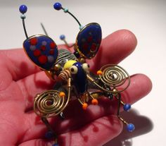 BIG VINTAGE CYNTHIA CHUANG JEWELRY 10 WINGED INSECT BUG PAINTED PORCELAIN BROOCH