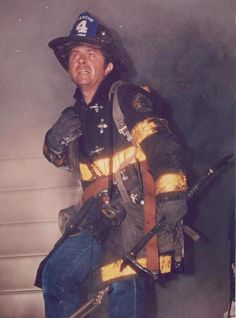 LONG COAT & JEANS #oldschool #fireman Firefighter Training, Firefighter Paramedic, Firefighter Photography, Firefighter Pictures, Fire Art, Emergency Vehicles, Fire Department, Fire Trucks, Old School