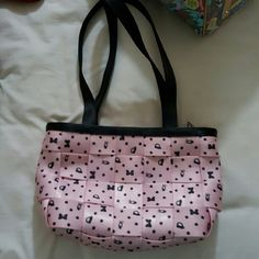 Blushing Minnie Harvey's Seat belt bag Harvey's Disney Blushing Minnie bag. Excellent condition! Bags Satchels