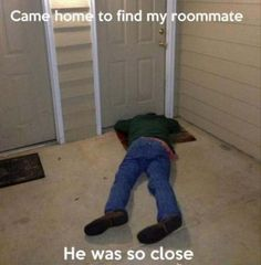Almost Made It Home // funny pictures - funny photos - funny images - funny pics - funny quotes - Drunk Humor, Funny Jokes, Funny Sayings, Funny Photos, Funny Images, Dump A Day, Medical Humor, Very Funny, Picture Day