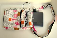 Susie's Sunroom: Making a tote for my tablet
