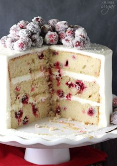 Sparkling Cranberry White Chocolate Cake - super moist vanilla cake full of fresh cranberries, iced with white chocolate icing and topped with sparking cranberries! Holiday Cakes, Christmas Desserts, Christmas Baking, Christmas Cakes, Diy Christmas, Christmas Cranberry Cake, Christmas Fruitcake, Family Christmas, Food Cakes
