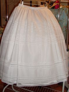 Enaguas Sewing Lace, Vintage Sewing, Christening Gowns, Heirloom Sewing, Victoria Secret, Children, Lady, Orisha, Aragon