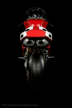 Classic Car Insurance – Information And Tips – Best Worst Car Insurance Ducati 916, Ducati Superbike, Moto Ducati, Ducati Motorcycles, Bobber Motorcycle, Ducati Cafe Racer, Cafe Racers, Motorbike Design, Bike Photoshoot