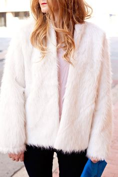 My last faux fur post was just too much fun, I couldn't stop there! I really wanted a white fur...