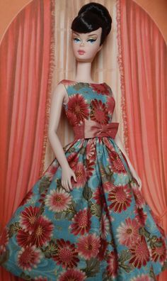 Bella is the center of my doll world, she is a Matt Sutton repaint, wearing Bellissima Couture.