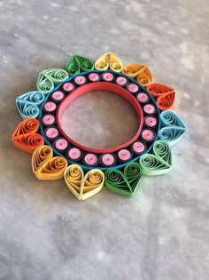 DIY Quilled Christmas Ornament Kit Circles of by BarbarasBeautysQuilled Christmas Ornament, hmmm I might have to get into quilling again. === Pretty little quilling designs - Neli Quilling, Paper Quilling Flowers, Paper Quilling Tutorial, Quilling Work, Paper Quilling Jewelry, Paper Quilling Patterns, Origami And Quilling, Quilled Paper Art, Quilling Paper Craft