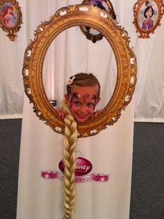 Rapunzel photobooth