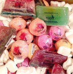 bath bombs Yummy Mummy, Be Your Own Kind Of Beautiful, Cold Sore, Beauty Review, Bath Bombs, Travel Size Products, The Balm, Bath Fizzies